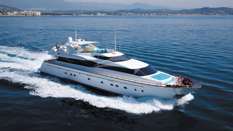 ABSOLUTE KING Yacht Charter