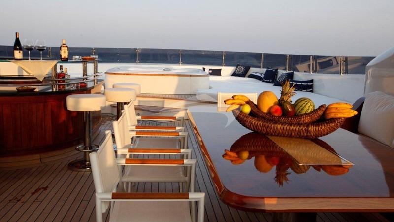 Flying deck al-fresco