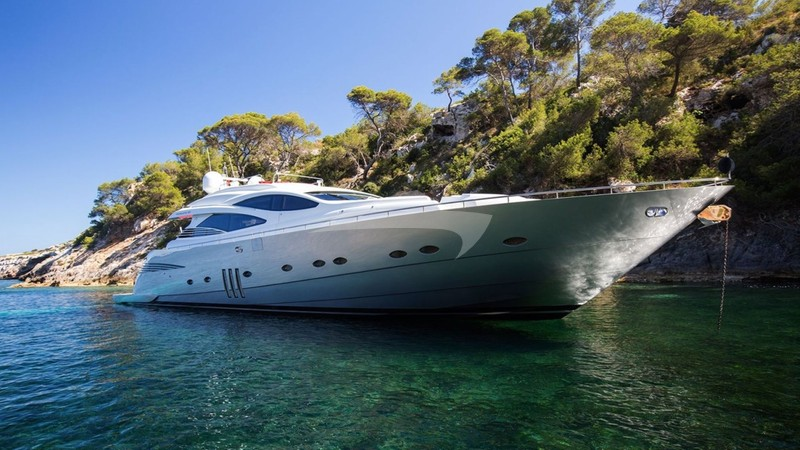 TIGER LILY OF LONDON Yacht Charter