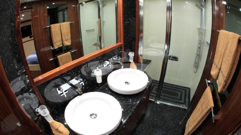 Double Cabin Bathroom