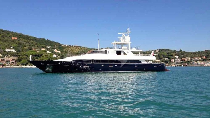 LADY IN BLUE Yacht Charter