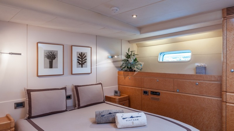 Guests middle double cabin (portside)