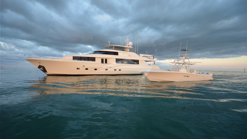 MY MAGGIE Yacht Charter
