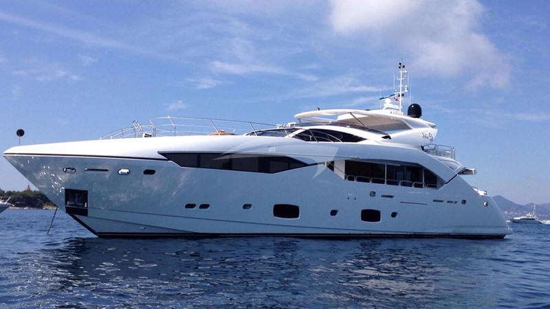 NO.9 Yacht Charter
