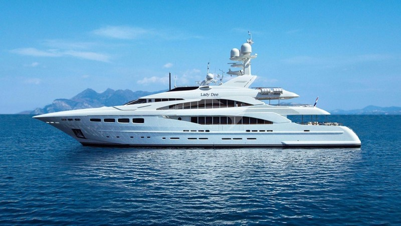 LADY DEE Yacht Charter