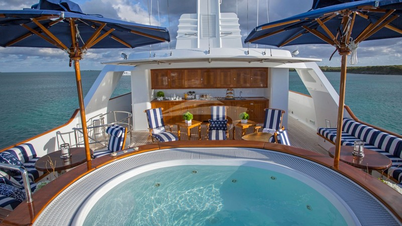 Top Deck with Jacuzzi