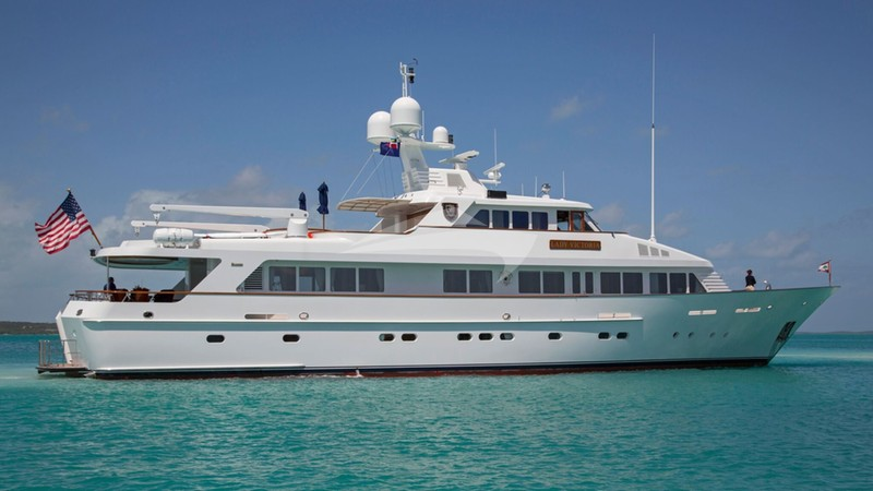 LADY VICTORIA Yacht Charter