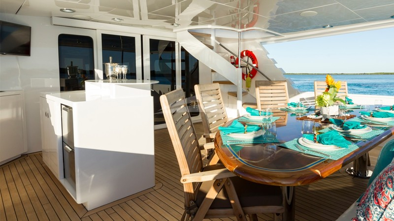 IL CAPO :: Aft Deck with Bar