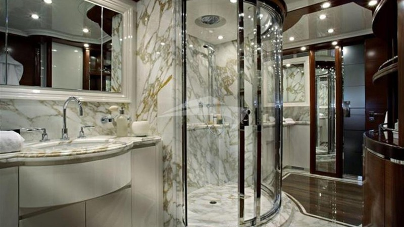 LIBERTAS :: Master Bathroom