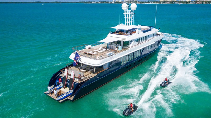 ICE 5 Yacht Charter